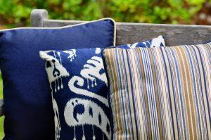GeoBella<sup>®</sup>: Sitzpolstergewebe für außen in Blautönen