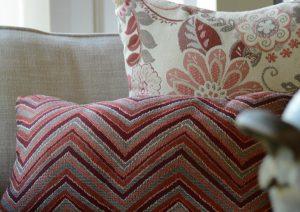 GeoBella<sup>®</sup> Sitzpolstergewebe für den Außenbereich in Orange und Rot
